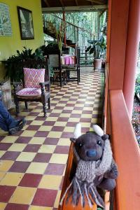 Me at the Hotel Kantarrana, Jardín