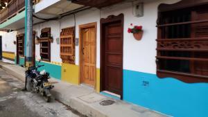 Beautiful doors, Jardín