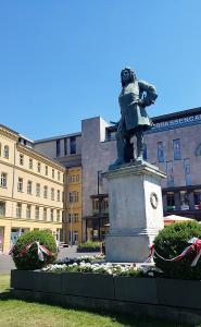 Georg Friedrich H�ndel statue in Halle (Saale)