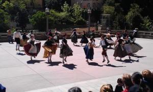 Catalan dancing, Montserrat