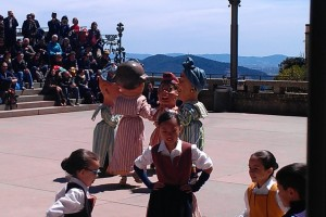 More Catalan dancing