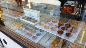 The famous Pastéis de Nata (egg custard tarts)