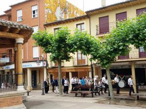 Parade band, Plaza Mayor, Sahagún
