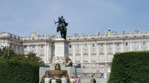 Felipe IV in front of the Royal Palace