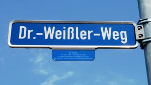 Street named for Friedrich Weissler, Robert's great-uncle