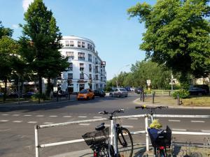 Meiningenallee intersection